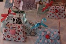 Petite Purses / Handmade paper purses and projects. Many are created with the Stampin' Up! Petite Purse Bigz L Die