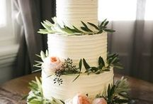 So many Wedding Cakes! / Find some deliciously scrumptious wedding cakes here!