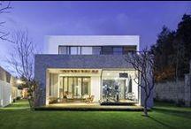 lubimy przyjazną architekturę / Lubimy przyjazną, ekologiczną, pasywną architekturę. Pomysłową, otwartą, świeżą i zabawną - jak ludzie, którzy ją tworzą. Pasjonuje nas architektura tworzona z troską o środowisko.