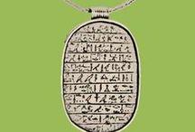 Thema: Egypte / Het Rijksmuseum van Oudheden vertelt de geschiedenis van het oude Egypte, de Griekse en Romeinse wereld, het vroege Nederland en het oude Nabije Oosten aan de hand van archeologische voorwerpen. In het museum én in de klas.