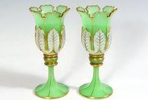 ** SKLO • Moser ** / Zakladatelem sklárny Moser je Ludwig Moser ( 1833-1916 ). Již v roce 1922 je sklárna Moser v Karlových Varech,největším výrobcem luxusního nápojového a dekorativního skla v Československu.Úspěch skla spočívá ve výrobě ekologicky čístého bezolovnatého křišťálu a ručním zpracováním všech křišťálových výrobků.