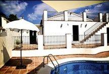 Casa rural Valle de Oro / Glamping en logeren voor de meest veeleisende reiziger! Het adres voor levensgenieters die willen proeven van het Zuid-Spaanse 'buena vida'. Relaxen en ontspannen in een rustige en haast magische sfeer. www.casavalledeoro.com
