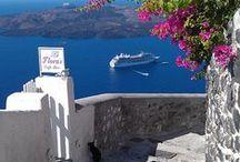 Oia - Santorini/Greece / Meu lugar favorito no mundo <3 Amor sem explicação, sem lógica, sem legenda!