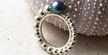 Pearl promise rings / Perfect for romantics!