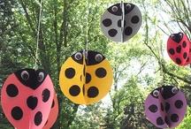 Themafeest: Lieveheersbeestjes / Ladybugs / Tips en inspiratie voor het organiseren van een origineel kinderfeestje. Inclusief traktaties, uitnodiging, spelletjes, verjaardagstaart, slingers, versiering en meer feestideeën!