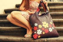 """ECOZZ Sixties / Do you love colorful patterns and the styles of the """"sixties""""? Then this original """"Sixties"""" series is just the thing for you. When out shopping with these bags, you will feel positive and good about yourself, and make those around you feel the same!"""