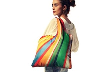 ECOZZ Crazy / No matter what you're wearing, as long as you have this colorful bag with you, you're all set for a fun and striking accessory. There's no danger of being overlooked with this bag. And on top of that, you can fit all your weekend shopping into it!