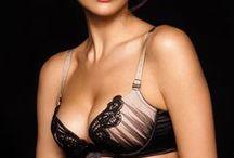 bras plunge design / plunge bras with push-up effect