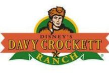 Disney's Ranch Davy Crockett / Mets ton chapeau et suis la trace vers le pays des trappeurs et chasseurs, au fin fond d'une forêt pleine d'aventures. Au cœur d'une forêt de 57 ha. se trouvent les bungalows de Disney`s Davy Crockett Ranch®. Ces magnifiques cachettes sont accessibles en voiture seulement. Ici l'air est frais, l'herbe est verte! Bienvenue à Disney`s Davy Crockett Ranch®; ton chez toi loin de chez toi! http://www.sejoursmagiques.fr/disneyland-paris-euro-disney/disney-hotels/davy-crockett-ranch.html