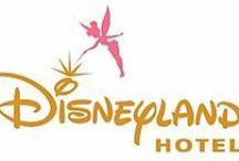 Disneyland Hotel / Reveillez-vous et découvrez à vos pieds, le royaume magique de Disneyland Paris. Et oui, vous serez dans le plus luxueux des hôtels de cet univers féerique. Un palais style victorien aux services dignes d'un véritable hôtel quatre étoiles. Des suites luxueuses ainsi que des chambres avec vue sur Main Street (la rue principale du parc) ainsi que sur le château de la Belle au bois dormant. Tous les matins au petit-déjeuner, vous serez accueillis par les personnages Disney®. Inoubliable!