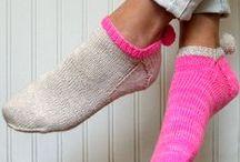ponožky .. papučky ☼ /  jehlicí i háčkem ....ponožky..bačkorky.. teplíčko pro naše nožky