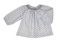 Blusas Bonnet a Pompom / Preciosas vestidos de telas muy suaves y con unos acabados estupendos para nuestras niñas.