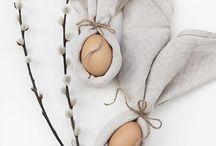 Ostern {happy Easter} / Happy Easter! Auf diesem Board tummelt sich alles an Deko und schönen Ideen rund um Ostern - von Osterhasen aus Draht bis natürlich gefärbte Eier.