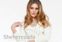 Trends - SHEHEREZADA / Haute couture lat 60 w nowoczesnym wydaniu, inspirowane Indiami. Temat  głównie sukienkowy uzupełniony srebrną biżuterią.