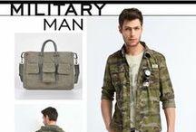 Trends - MILITARY MAN / Linia czerpie inspiracje z tematyki militarnej Sylwetka w stonowanej kolorystyce uzupełnionej denimem inspirowana klimatem wojskowym.
