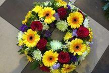 Πρωτομαγιάτικα στεφάνια / Πρωτομαγιάτικα στεφάνια από ολόφρεσκα λουλούδια
