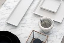 Interior material: Marble / *