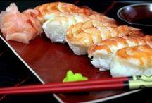 Kuchnia Japońska / Kuchnia japońska większości Polaków z pewnością kojarzy się z sushi. Jest to jednak nie tylko surowa ryba z kleistym ryżem zapakowana w algi. Sushi stało się symbolem Japonii ze względu na swoje walory smakowe, estetyczne oraz kulturowe