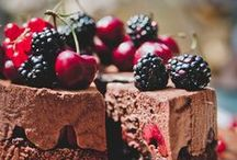 Dessert Recipes / We can't help but have a piece of dessert to finish off a delicious meal. These recipes range from decadent to paleo. Whatever kind of dessert you're craving, we have it!