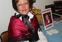 Mes costumes, créations passées / J'ai, dans ma vie, fabriqué environ 500 costumes. Folkloriques, historiques ou fantaisistes... J'ai tout donné, vendu...bradé, plutôt, lorsque j'ai vendu ma maison, faute de place !