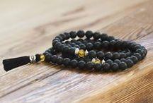 Bransoletki - male / Ręcznie robione bransoletki z naturalnych kamieni, inspirowane buddyjskimi malami