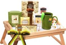 *<3Gift Basket Ideas! / by Christine Smith