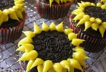 {Cupcakes  n' Muffins} / by Christine Smith