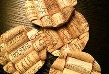 Tappi di sughero, alternative al classico uso / Bottiglia di vino finita? Oltre al vuoto da poter riciclare, anche il tappo di sughero è un'ottima risorsa per creare nuovi oggetti utili per la casa.
