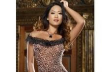 Leopárdmintában... / A leopárdminta már több mint 60 éve hódít a divatvilágban. Aki a hálószobában is leopárdmintás fehérneműt visel, igazi dögös csúcsragadozóvá válhat!