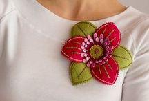 Kwiaty z materiału, wstążki, filcu / by Wanda Zamojska