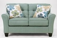 Loveseat Corner / At the heart of every home, you'll find a comfortable loveseat. Choose from fabric or luxury leather loveseats in a vast range of shapes, colors, sizes and styles.