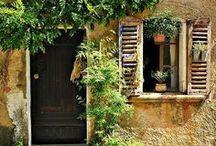 Le Sud de la France / Il y a toujours une belle découverte à faire, où que l'on soit. On y raconte ici nos inspirations de petits endroits et grandes destinations à découvrir absolument et qui jalonnent le Sud de la France ! #provence #sudouest #camargue #paysbasque #corse #languedoc