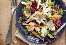 Salades Jolies / Salades d'hiver, salades d'été salées ou sucrées, quel plaisir à imaginer des associations de crudités et de couleurs dans nos assiettes ! #salades