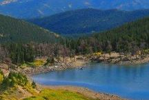 Idaho Springs, CO - Colorado Info / Long considered the birthplace of the Rocky Mountain Gold Rush, Idaho Springs has attained considerable popularity has an outdoor enthusiasts' mecca in its own right and a good lodging choice with easy access to six nearby ski resorts.
