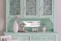 French Country, Farmhouse & Shabby Chic / #frenchcountry #shabby #shabbychic #white #aqua #gray #lavender #farmhouse