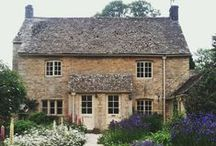 Pretty Houses / English houses, manor houses, wooden houses, cottages, english cottages