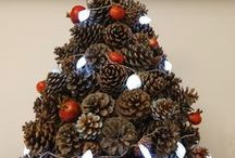 Christmas tree / Christmas tree made from pine cones, shells, lights, and pomegranate.