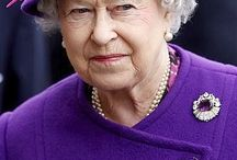 ~*~The Queen~*~ in purple & black
