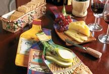 It's a Wine Party ! / Host a wine and cheese party in style with the Wine Country Serveware.