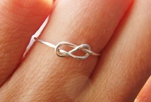 Annulos / Rings / by Linsey Kinsey-Lindh