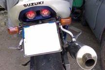 gsx-r 600 2001 / Riverniciatura originale gsx- R 600 del 2001 con compressore e riposizionamento adesivi