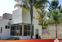 Residencia en Zavaleta (Britannia) - $6,500,000 - Casas en Venta en Puebla - Puebla Residencial / Una residencia de alto nivel y categoría, en un fraccionamiento cerrado situado en la zona de Zavaleta, Puebla.  Una casa de 350 m2 de construcción y 711 m2 de terreno, en un sólo nivel.  Con jardín de 200 m2, tres recámaras, la principal con baño propio y vestidor, chimenea, desayunador con vistas al jardín, cocina, sala, acabados en madera y Palladium en los muros...  Una delicia.  Más información en: http://pueblaresidencial.com/listing/residencia-en-san-jose-del-puente-casasenventaenpuebla