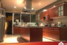 Residencia y Jardín de Eventos en Cholula - $6,500,000 - Casas en Puebla - Puebla Residencial / http://pueblaresidencial.com/listing/residencia-y-jardin-de-eventos-casasenpuebla  Dos Propiedades en Una. Residencia en un sólo nivel, con grandes y cómodos espacios, y áreas ajardinadas. Además, anexo se encuentra un jardín de eventos de gran tamaño que forma parte de la propiedad y se vende conjuntamente. Extraordinaria localización, céntrica.