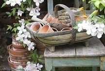 Vintage Garden / Beautiful vintage objects and how to use them in a garden setting