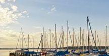 Chiemsee Impressionen / Der größte See der Region und gleichzeitig der drittgrößte Binnensee Deutschlands ist der Chiemsee mit einer Fläche von 82 Quadratkilometern und zahlreichen frei zugänglichen Badestellen. Besuchen Sie auch die weltbekannten Inseln mit dem Schloss Herrenchiemsee oder dem Kloster Frauenwörth!