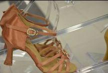 scarpe da ballo / SCARPE DANCE . JOKER NUOVO NEGOZIO COMMERCIALE DI SCARPE DA BALLO LISCIO E SALSA . ACESSORI BIJOUX,OROLOGI BRAND,MONTATURE DA VISTA RICHMOND,FERRE,COSMETICA ECC.ECC. SCONTI PER LE SCUOLE -20% ULTERIORE SCONTO SU ORDINAZIONE A GRUPPI SCUOLE  - 5% JOKER  IN VIA CAVOUR 42 CASTEL SAN PIETRO TERME 40024 BOLOGNA TELEFONO 3294866663