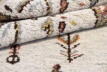 Colección Bereber / Alfombras Bereber : Alfombra anudada a mano inspirada en diseños tradicionales Bereber (Beni Ouarain). Su calidez y elegancia son obra de una cuidada selección de las mejores lanas.