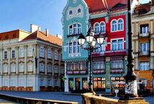 Eastern Europe / Estonia, Latvia, Lithuania, Poland, Czech Republich, Slovakia, Hungary, Romania, Moldova, Belarus, Ukraine, Russia. Beautiful sites, traditional costumes and crafts, customs and food, peoples and celebrations.