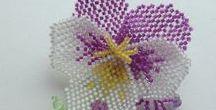 Helmityö: orvokki -kukka
