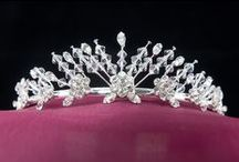 Bells & Bows / Wedding veils, tiara and bridal jewelry available from Bells & Bows online store.